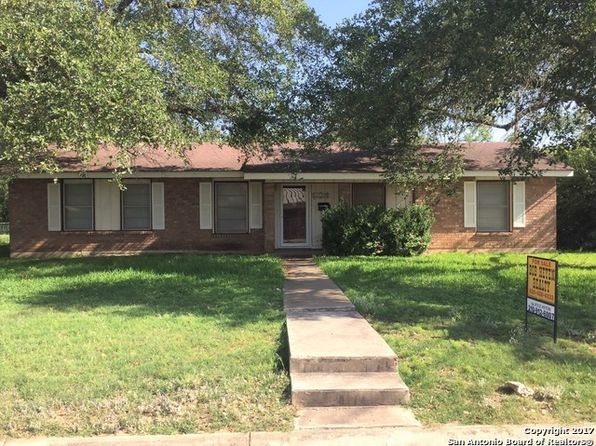 4 bed 2 bath Single Family at 1702 24TH ST HONDO, TX, 78861 is for sale at 175k - 1 of 22