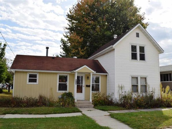 2 bed 1 bath Single Family at 812 S Mill St Decorah, IA, 52101 is for sale at 116k - 1 of 16
