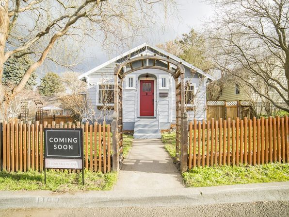 3 bed 2 bath Single Family at 1108 GARRISON ST THE DALLES, OR, 97058 is for sale at 240k - 1 of 32