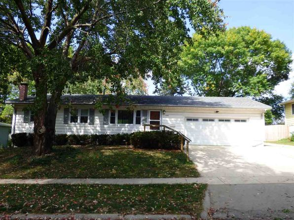 3 bed 2 bath Single Family at 1404 Hollywood Blvd Iowa City, IA, 52240 is for sale at 179k - 1 of 35