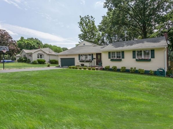 4 bed 3 bath Single Family at 14 Mayfair Rd Holmdel, NJ, 07733 is for sale at 550k - 1 of 6