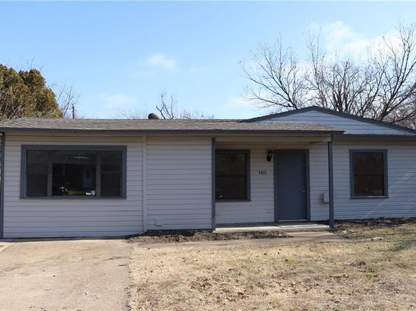 3 bed 1 bath Single Family at 1411 Connally Ter Arlington, TX, 76010 is for sale at 145k - 1 of 24