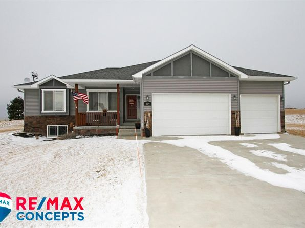 4 bed 3 bath Single Family at 739 Sunset Blvd Palmyra, NE, 68418 is for sale at 275k - 1 of 37