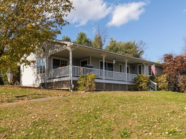 3 bed 2 bath Single Family at 4 Clover Way Pleasant Valley, NY, 12569 is for sale at 272k - 1 of 27