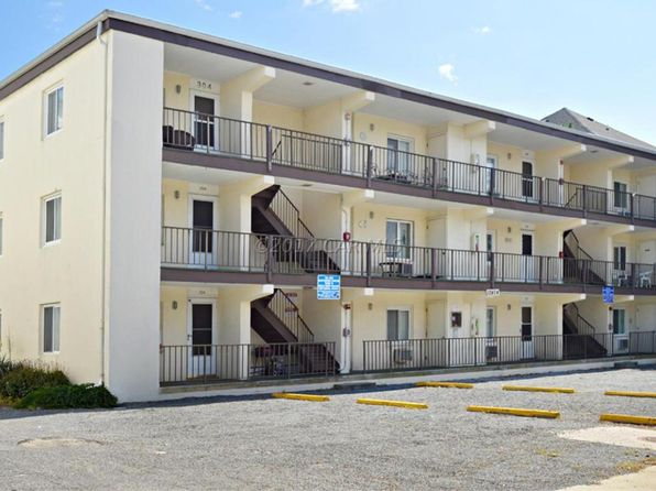 2 bed 2 bath Condo at 12404 Assawoman Dr Ocean City, MD, 21842 is for sale at 165k - 1 of 24