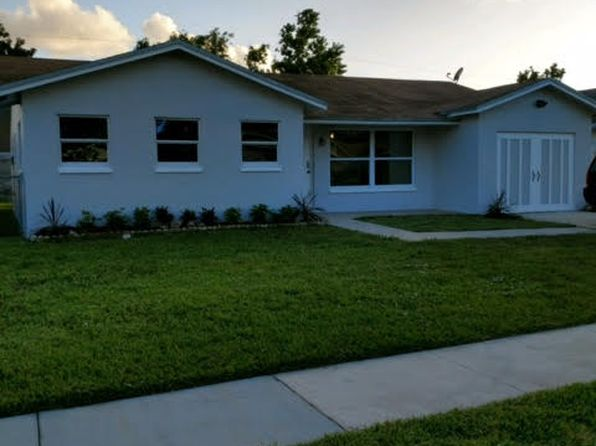 4 bed 3 bath Single Family at 9268 SW 1st Pl Boca Raton, FL, 33428 is for sale at 315k - 1 of 4