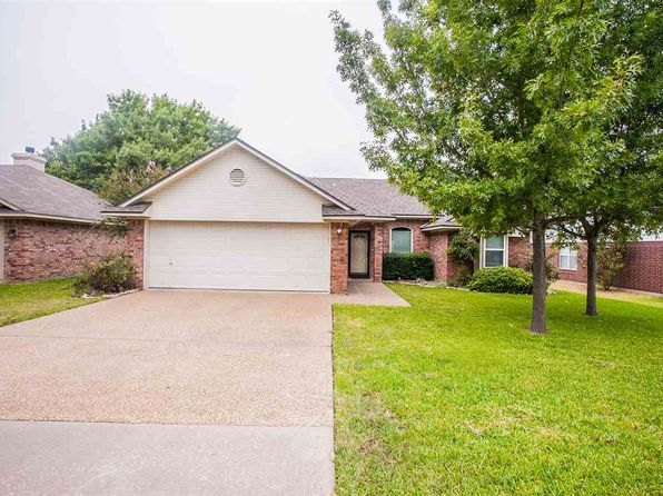 3 bed 2 bath Single Family at 1831 Real Dr Waco, TX, 76712 is for sale at 160k - 1 of 29
