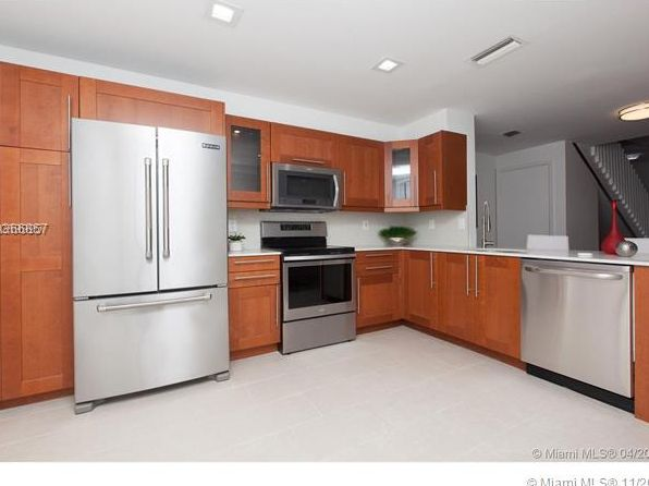 2 bed 3 bath Townhouse at 821 Sevilla Cir Weston, FL, 33326 is for sale at 305k - 1 of 8