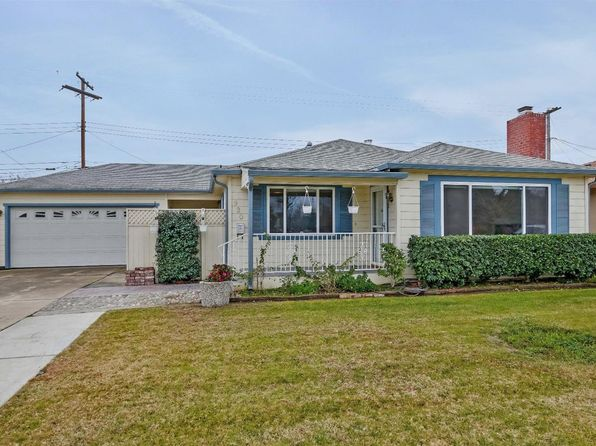 3 bed 3 bath Single Family at 930 W Tokay St Lodi, CA, 95240 is for sale at 320k - 1 of 36