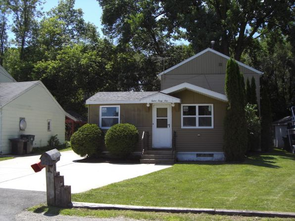 3 bed 1 bath Single Family at 1245 Valley Ln Green Bay, WI, 54303 is for sale at 125k - 1 of 19