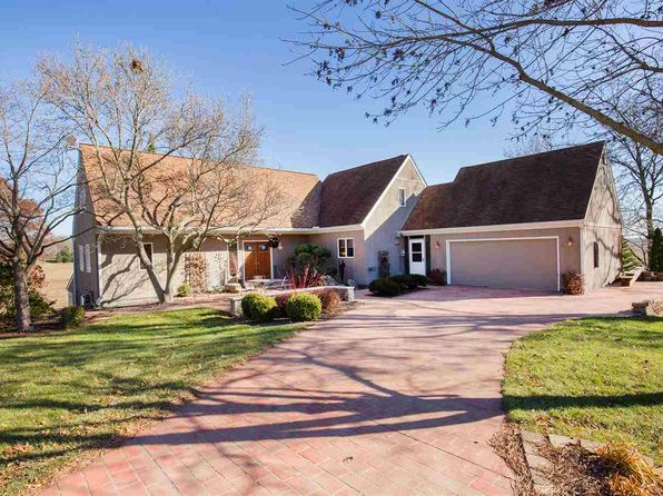 4 bed 5 bath Single Family at 13 Westwood Dr Geneseo, IL, 61254 is for sale at 250k - 1 of 24