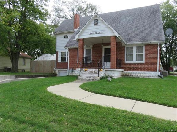 4 bed 2 bath Single Family at 500 E Fairgrounds Ave Jerseyville, IL, 62052 is for sale at 94k - 1 of 26