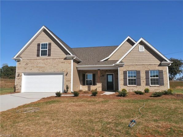 3 bed 2 bath Single Family at 108 Alcove Ct King, NC, 27021 is for sale at 255k - 1 of 16