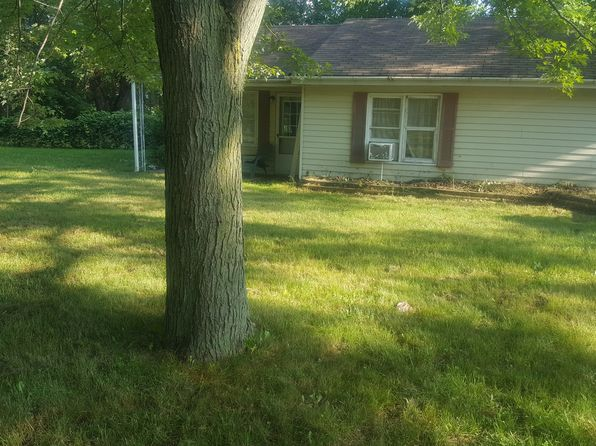 2 bed 1 bath Single Family at 23870 Chapman Rd Macomb, MI, 48042 is for sale at 100k - google static map