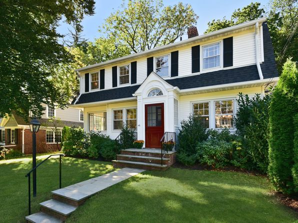 4 bed 3 bath Single Family at 46 Mayhew Ave Larchmont, NY, 10538 is for sale at 1.15m - 1 of 21