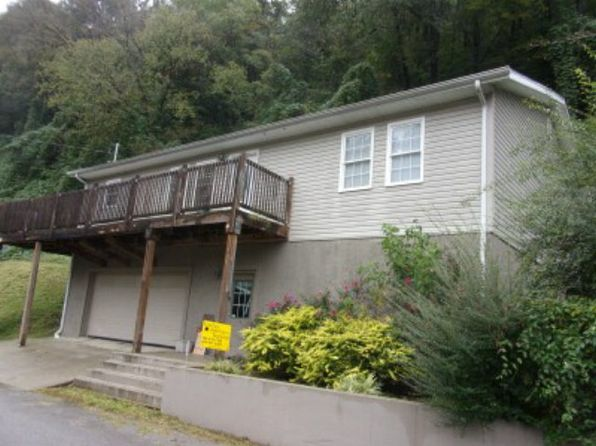 3 bed 3 bath Single Family at 113 Jefferson St Pikeville, KY, 41501 is for sale at 160k - 1 of 12