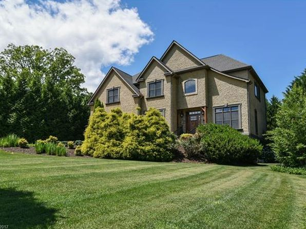 4 bed 5.5 bath Single Family at 11 Sterling Run Dr Fletcher, NC, 28732 is for sale at 699k - 1 of 24