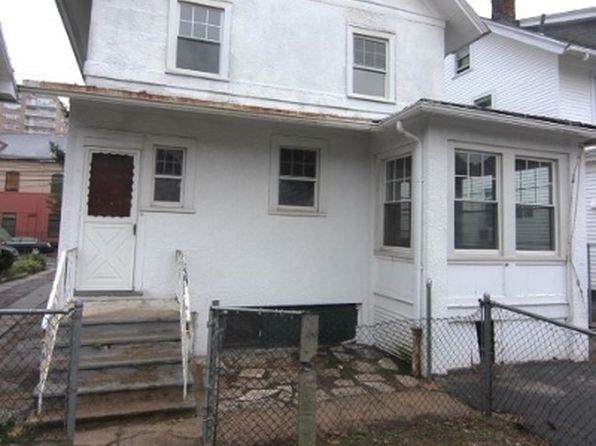 5 bed 2 bath Single Family at 454 Clifton Ave Newark, NJ, 07104 is for sale at 190k - 1 of 11