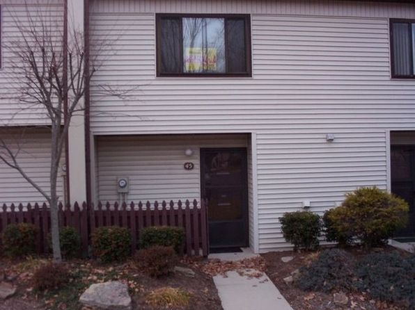 2 bed 2 bath Townhouse at 45 Wilshire Heights Dr Crossville, TN, 38558 is for sale at 60k - 1 of 12