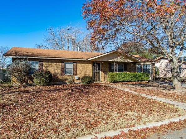 3 bed 2 bath Single Family at 620 Bluebonnet St Fredericksburg, TX, 78624 is for sale at 235k - 1 of 44