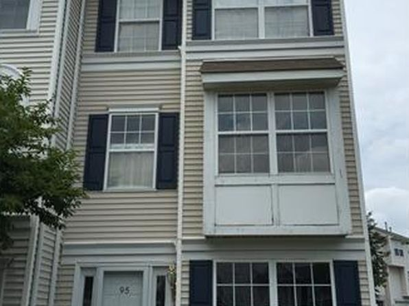 2 bed 3 bath Townhouse at 95 Giera Ct Parlin, NJ, 08859 is for sale at 241k - 1 of 13