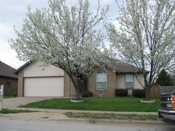 3 bed 2 bath Single Family at 3863 W Monroe St Springfield, MO, 65802 is for sale at 128k - 1 of 12