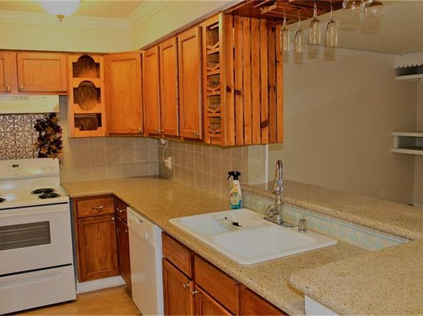 2 bed 1 bath Condo at 2501 Gulf Fwy Dickinson, TX, 77539 is for sale at 68k - 1 of 13