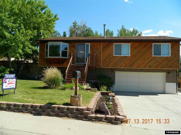 4 bed 3 bath Single Family at 216 VAN BUREN ST ROCK SPRINGS, WY, 82901 is for sale at 250k - 1 of 18