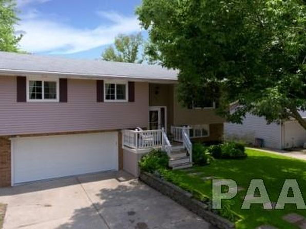 3 bed 3 bath Single Family at 522 N Galena Ave Brimfield, IL, 61517 is for sale at 179k - 1 of 34