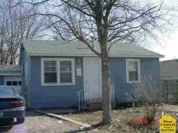 2 bed 1 bath Single Family at 205 S Hughes St Windsor, MO, 65360 is for sale at 23k - google static map