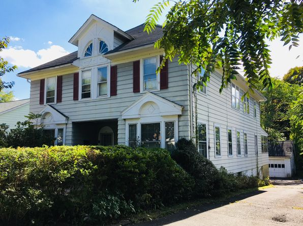 9 bed 3 bath Multi Family at 28 Hillairy Ave Morristown, NJ, 07960 is for sale at 439k - 1 of 3
