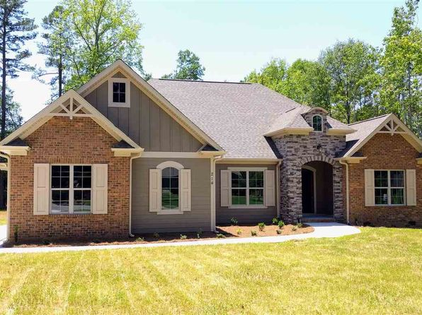 3 bed 3 bath Single Family at 214 Dunbarton Dr Spartanburg, SC, 29307 is for sale at 305k - 1 of 11