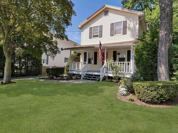 2 bed 2 bath Single Family at 161 Old Middletown Rd Pearl River, NY, 10965 is for sale at 389k - 1 of 19