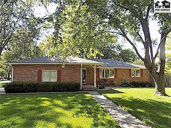 3 bed 2 bath Single Family at 900 Old Farm Estates Rd Hutchinson, KS, 67502 is for sale at 185k - 1 of 17
