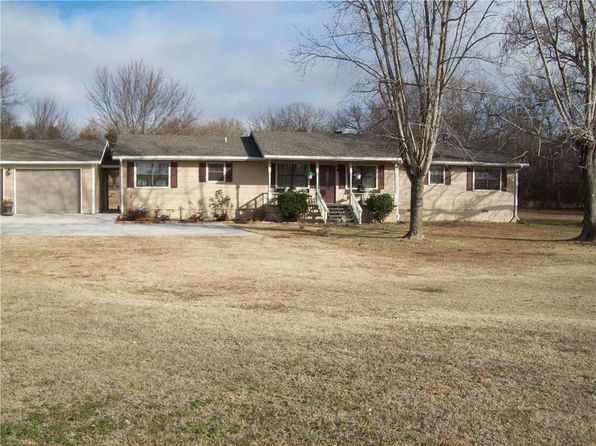 3 bed 2 bath Single Family at 474727 E 1050 Rd Muldrow, OK, 74948 is for sale at 169k - 1 of 30