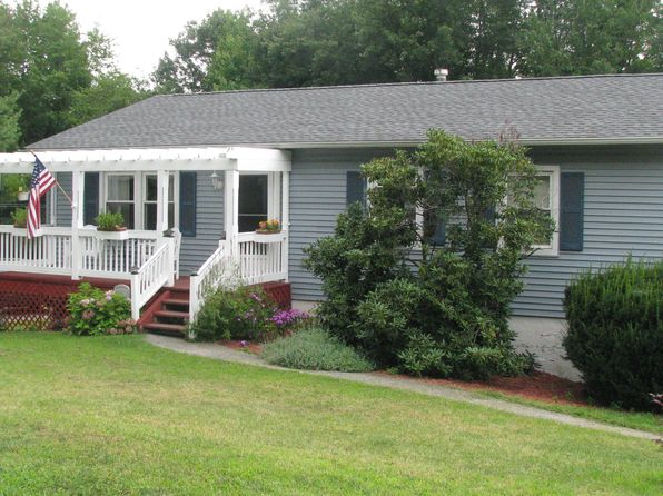 3 bed 2 bath Single Family at 40 Park Hill Dr Hopewell Jct, NY, 12533 is for sale at 287k - 1 of 21