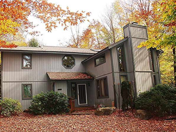 4 bed 3 bath Single Family at 1139 DEER RUN POCONO PINES, PA, 18350 is for sale at 290k - 1 of 15