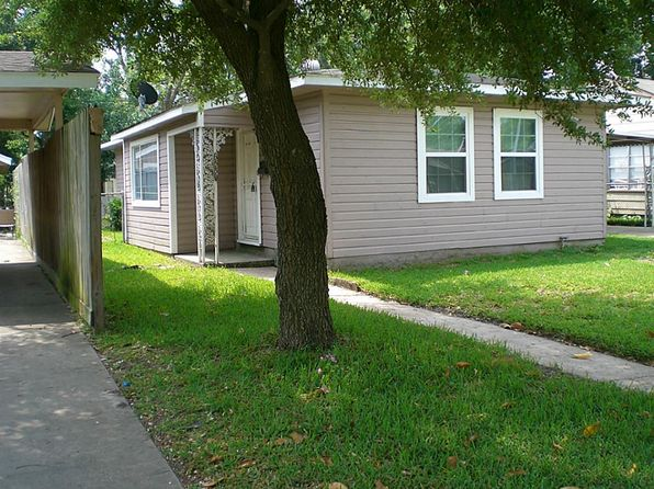 3 bed 1 bath Single Family at 6530 Moss Rose St Houston, TX, 77087 is for sale at 140k - 1 of 18