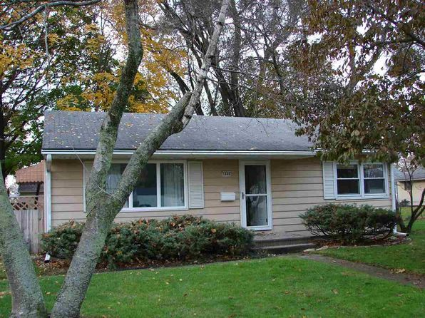 2 bed 1 bath Single Family at 1649 Garden St Elkhart, IN, 46514 is for sale at 95k - 1 of 17