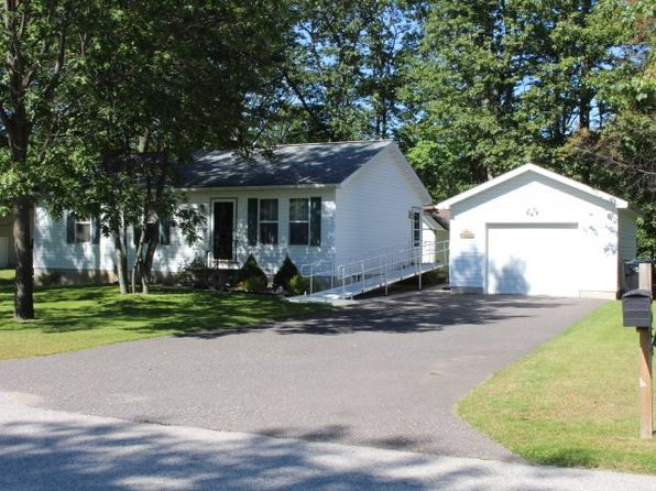 3 bed 1 bath Mobile / Manufactured at 2718 7th Ave W Gladstone, MI, 49837 is for sale at 110k - 1 of 15