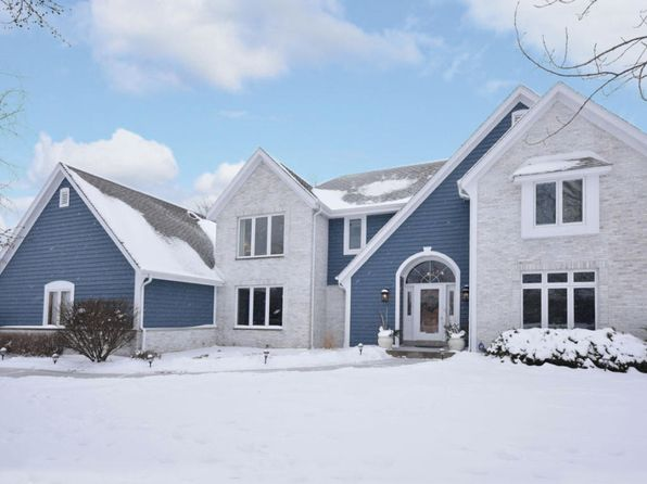 4 bed 3 bath Single Family at 8715 W DAVENTRY RD MEQUON, WI, 53097 is for sale at 537k - 1 of 25