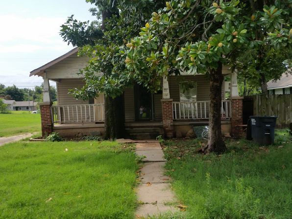 3 bed 1 bath Single Family at 1025 E 10th St Shawnee, OK, 74801 is for sale at 32k - 1 of 2