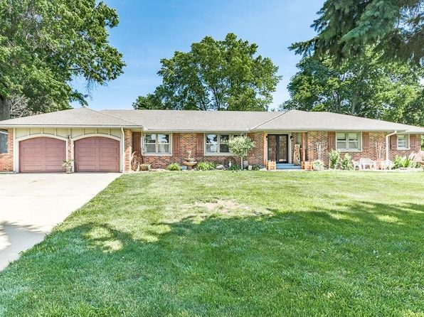 3 bed 4 bath Single Family at 402 W Foxwood Dr Raymore, MO, 64083 is for sale at 250k - 1 of 25