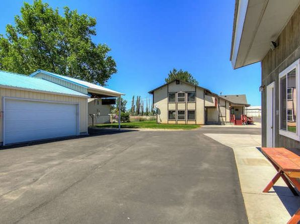 3 bed 2 bath Single Family at 1797 W Highway 52 Emmett, ID, 83617 is for sale at 300k - 1 of 24