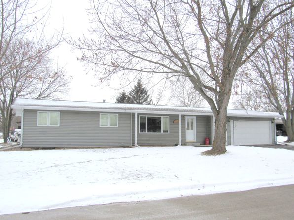 3 bed 2 bath Single Family at 227 Mack Ct Brillion, WI, 54110 is for sale at 135k - 1 of 15