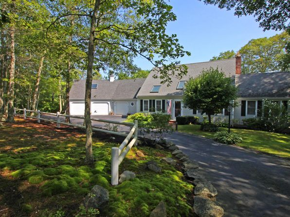 3 bed 3 bath Single Family at 380 Whistleberry Dr Marstons Mills, MA, 02648 is for sale at 550k - 1 of 32
