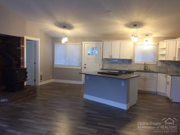 3 bed 2 bath Single Family at 206 SW HAYES AVE BEND, OR, 97702 is for sale at 300k - 1 of 12