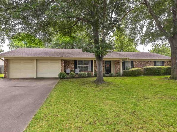 3 bed 2 bath Single Family at 1810 Beth Dr Longview, TX, 75605 is for sale at 172k - 1 of 24