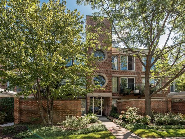3 bed 2 bath Condo at 7050 Arbor Ln Northfield, IL, 60093 is for sale at 585k - 1 of 20