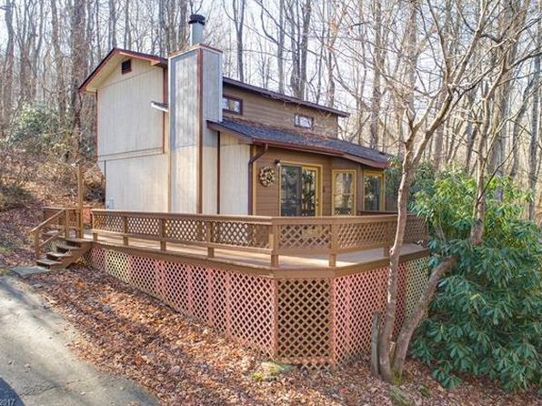 2 bed 2 bath Single Family at 31 Blue Jay Loop Maggie Valley, NC, 28751 is for sale at 145k - 1 of 20